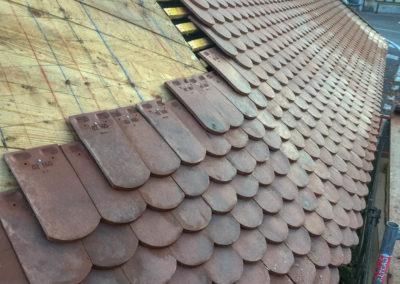 BEAULIEU TOITURE Charpente - Couverture - Zinguerie-en-Savoie - Chantier - Rénovation toiture arrondie en tuiles écaille - Saint-léger 73 -2589