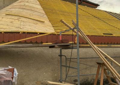 BEAULIEU TOITURE Charpente - Couverture - Zinguerie-en-Savoie - Chantier - Rénovation toiture arrondie en tuiles écaille - Saint-léger 73 -6959