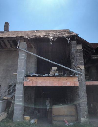 Renovation-de-charpente-et-couverture-en-bac-acier-gris-anthracite---Planaise-73---1