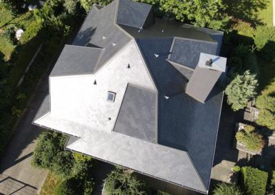 Rénovation toit en Ardoise pour maison d'architecte design à Chambery en Savoie