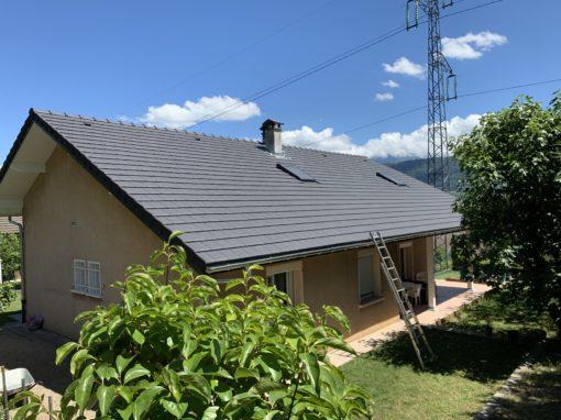 Rénovation de toiture de maison pose de tuiles terre cuite – Montmélian – 73