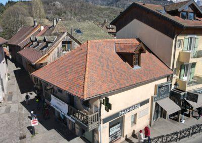 Rénovation de toiture traditionnelle d'une Pharmacie à Menthon Saint Bernard – 74